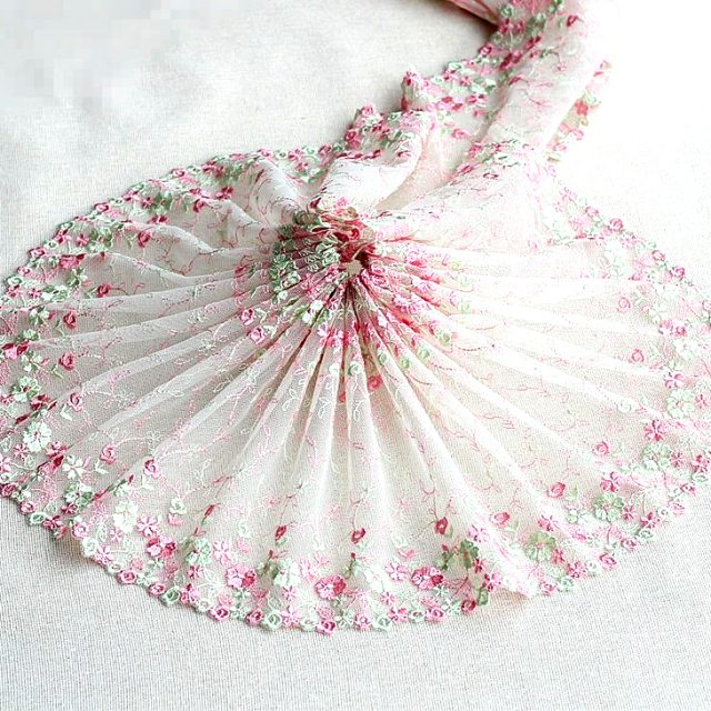 Exquisite White Embroidery Flower Floral Venise Lace Fabric Ribbons Trim